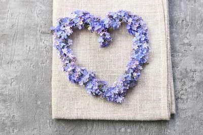 Maak harten met bloemen